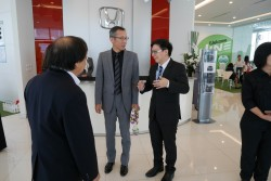 Welcome President & CEO Honda Automobile (Thailand) Co., Ltd...